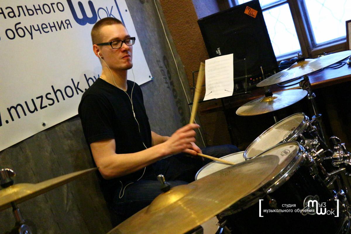 Как научиться играть на барабане в домашних условиях